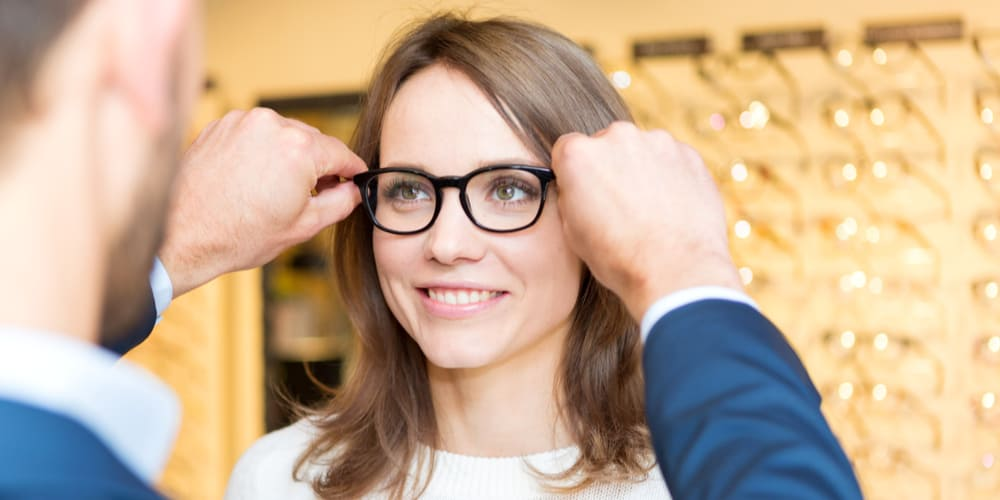 How to Work With An Optician to Find Glasses You'll Love